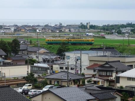 富山地方鉄道のかぼちゃ電車