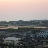 夕暮れ時の富山地方鉄道